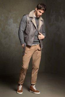 Мужской кожаный жилет с мехом
