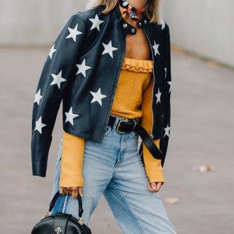 Женская куртка с аппликацией
