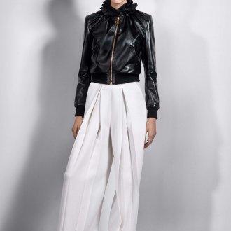 Женская куртка из кожи на молнии
