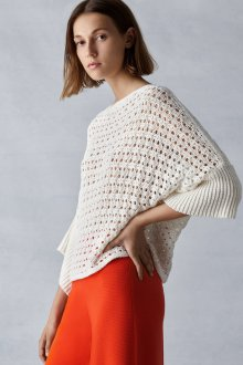 Ажурный пуловер с рукавом летучая мышь