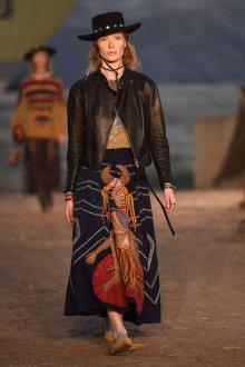 Кожаная куртка в ковбойском стиле 2018