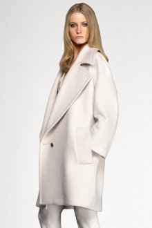 Белое пальто кокон