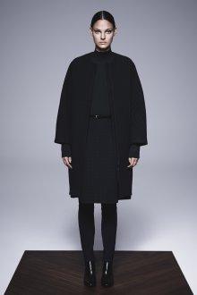 Черное пальто кокон