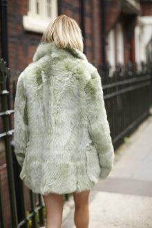 Зеленая шуба из мутона