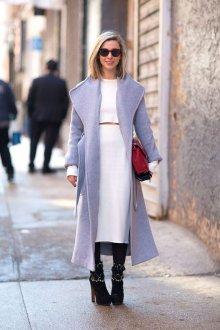 Пальто из альпаки светлое