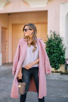 Пыльно розовое пальто