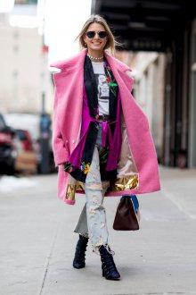 Розовое пальто с шалевым воротником