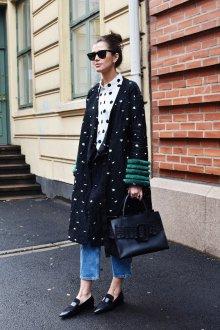 Пальто оверсайз с декором на рукавах