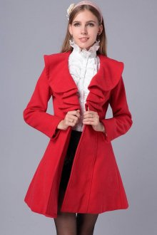 Драповое пальто с воланами