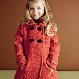 Пальто для девочки красное