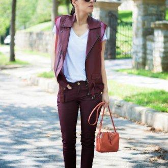 Бордовый кожаный жилет