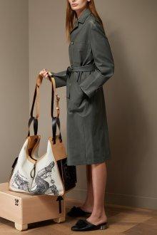 Серое кожаное пальто