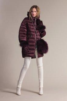 Бордовая куртка с мехом