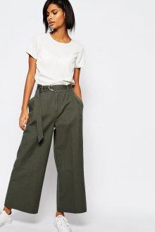 Зеленые брюки с высокой талией