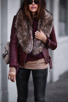 Бордовая кожаная куртка с мехом