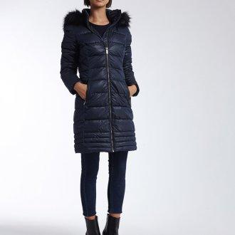Стеганая черная куртка