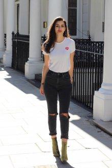 Черные джинсы с высокой талией