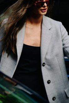 Серый пиджак прямой