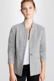 Светлый серый пиджак