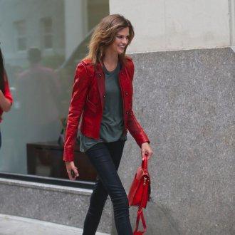 Красный кожаный пиджак