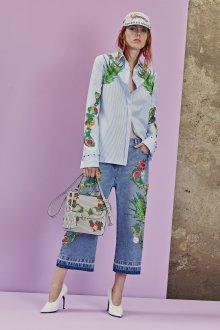 Прямые джинсы с цветами