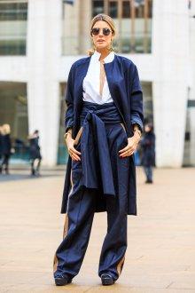Бежево-синие брюки