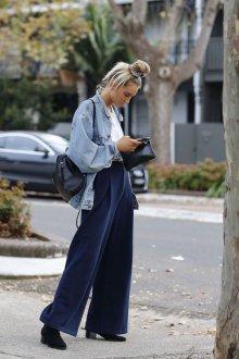 Синие брюки оверсайз