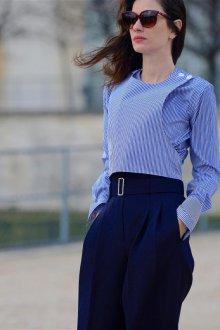 Синие свободные брюки