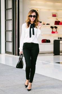 Черно-белая офисная блузка