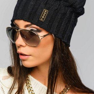 Черная спортивная шапка