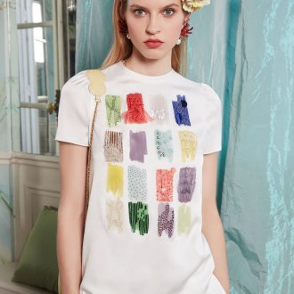 Трикотажная блузка с декором