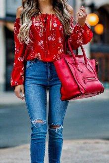 Красная блузка с открытыми плечами