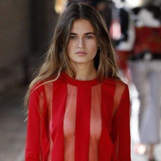 Красная блузка прозрачная