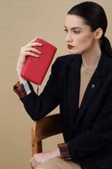 Женский красный кошелек