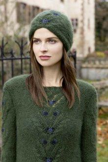 Зеленая шапка из мохера