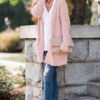 Вязаный жакет розовый