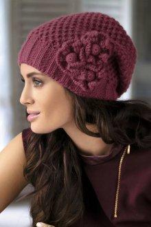 Объемная шапка с декором