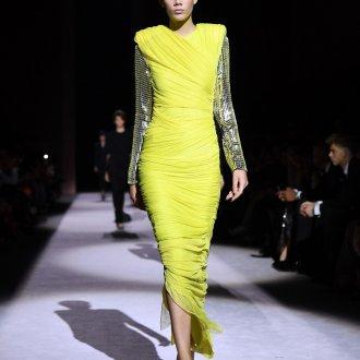 Новогоднее желтое платье