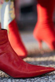 Демисезонные красные ботинки