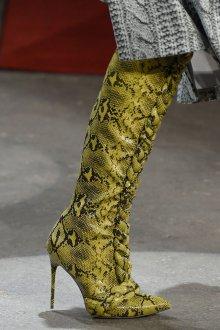 Демисезонные сапоги желтые