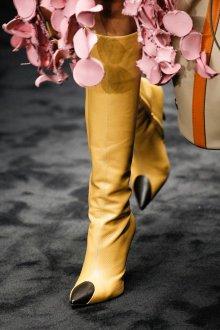Сапоги на шпильке желтые