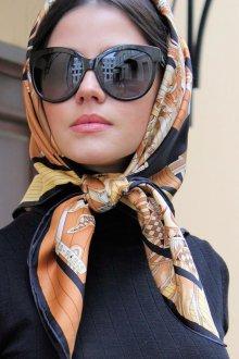 Шелковый шарф квадратный
