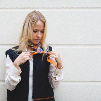 Шелковый шарф с рубашкой