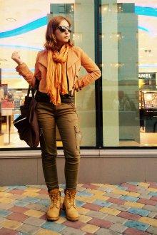 Желтые ботинки со штанами