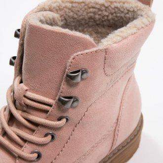 Розовые ботинки с мехом