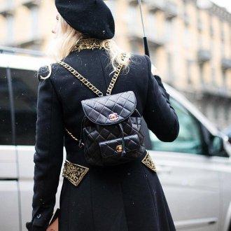 Черный рюкзак Chanel