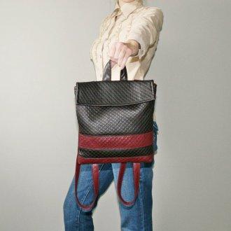 Черно-красный рюкзак