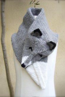 Вязаный шарф в виде лисы