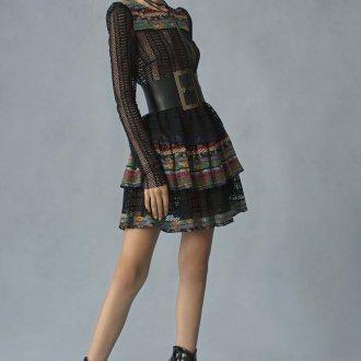 Широкий ремень с платьем