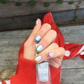 Цветной маникюр на короткие ногти